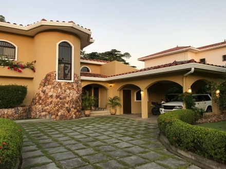 Stunning home with swimming pool on the 16th Hole of the Coronado Championship golf course