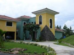 Ample Single Family Home for Sale in Mountain Community of Altos del Maria