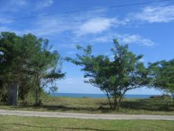 Side by side Beach Front lots in Malibu Gorgona