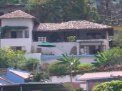 SPECTACULAR  DEAL!!   REDUCED!! Large new rustic and elegant home on Taboga Island