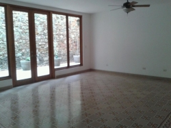 Apartment for rent in the Historic District, It has a large terrace, calicanto walls