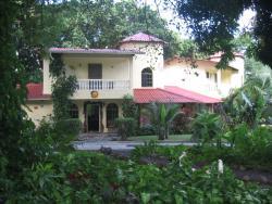 Laurel Villas
