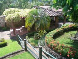 REDUCED! Comfortable house with beautiful landscaping in Las Cumbres