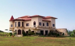 Secluded Luxury Beachfront Estate in Playa Nanzal