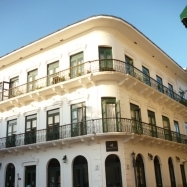 Spacious loft with roof terrace and incredible view in beautiful historical Casco Antiguo building
