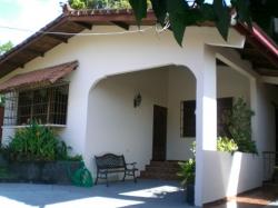 Nice home in Las Cumbres
