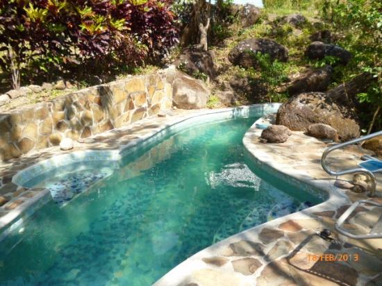 Lote plano con piscina y vista a las monta as - Piscinas en el valle ...