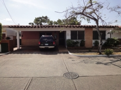 Excellent located home in Chanis