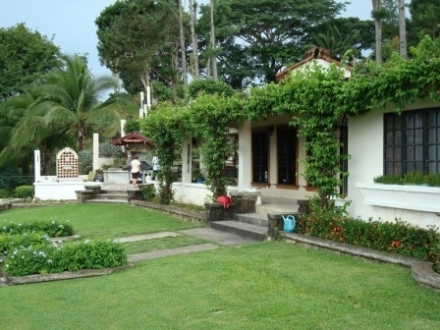 Beautiful house with incredible ocean view on 1.7 hectares