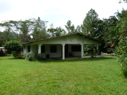 3 Bedroom home for sale on 2 HA (5 Acres) of land with a river