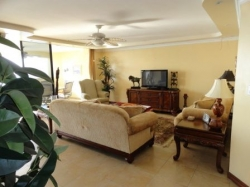 REDUCED!    Ocean view furnished condo in Punta Paitilla