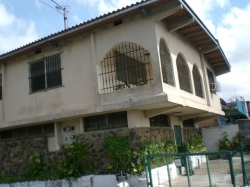 two story house in Chorrera with commercial posibilities