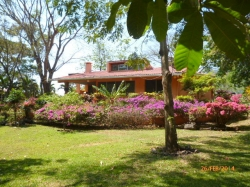 Home for easy living in Altos del Mar�a