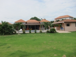 4 Bedroom One Level Villa in Golf Beach Resort