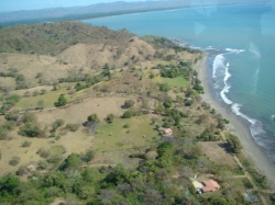 1365 mt2  Titled Lot, Walking Distance to the beach, Nice trees shade, Bucaro, Tonosi