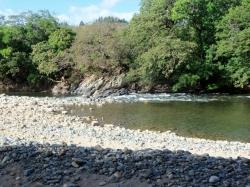 3 hectares riverfront near Santa Fe