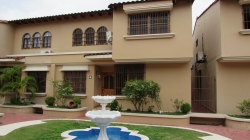 3 level house with 4 bedrooms for rent