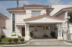 3 bedroom house for sale in Royal Country, Altos de Panama