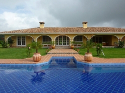 Spacious colonial house on 2 flat hectares in Volcán - negotiable price