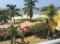 Absolute Ocean Front One Bed Condo - Great Price - Be Quick!!