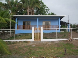 Affordable beachfront house in Puerto Armuelles - financing available