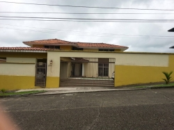 4 Bedroom, Single Family Home for Sale near the Melia Hotel in Colon