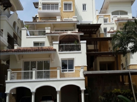 3 bedroom apartment in the golf course of the Tucan golf & Country Club
