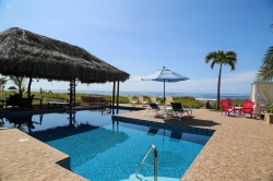 Dreamy beach house with large pool - turnkey, everything included!