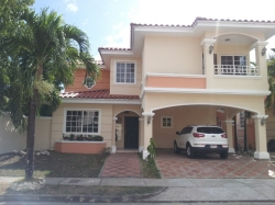 4 bedroom home for sale in Gated Community of Costa Sur