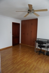 Furnished 3 bedroom apartment in San Francisco available for long term rental contracts