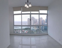 Apartment on High Floor in Marina Plaza for sale or rent