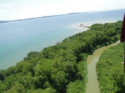 600 hectares of land around bay south of Almirante  - great development potential!