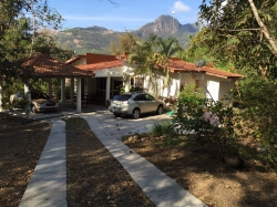 Desirable Mountain Home with Casita, Pool - Close to River and GateHouse - Viewing a Must