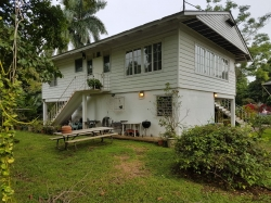 2 bedroom, furnished home with fenced in yard available for long term rental contracts of at least 1 year