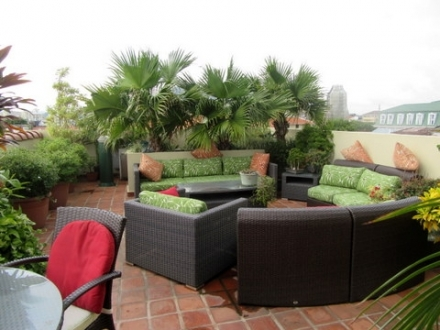 REDUCED!! Ocean views from rooftop terrace 3/4 with parking in Casco Viejo won't be on the market long!